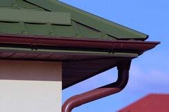 Водосточная система: начинайте проектирование конструкции еще на этапе обустройства крыши